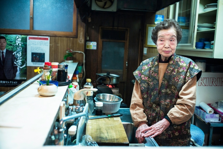 93-year-old-japanese-bar-owner2500.jpg