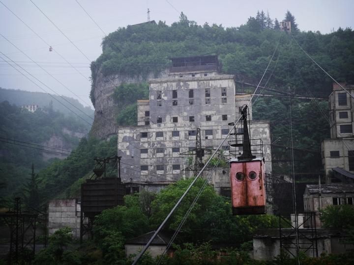 """Cable cars forming part of thenetwork of aerial tramways built in Chiatura during the Soviet era. In place of buses, the locals stilluse """"Stalin's Rope Roads""""as public transportation in the vertiginous mining town.Click  here  for full story."""